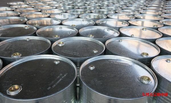 煤油  每桶165kg