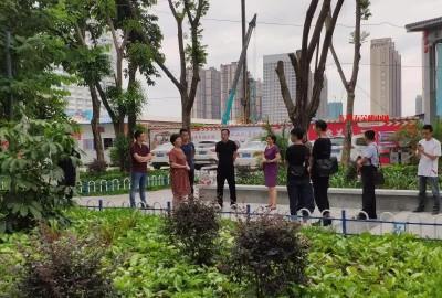 """西乡塘区政府听取民意,协调青苹果商业城改造""""小花园""""为民造福"""